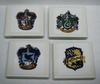 HARRY POTTER CLASS CREST MAGNETS