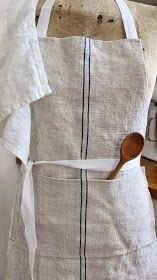Great apron for the garden and the kitchen. Sewing Hacks, Sewing Crafts, Sewing Projects, Farmhouse Aprons, Rustic Farmhouse, Work Aprons, Aprons Vintage, Retro Apron, Linen Apron