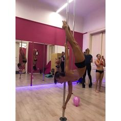 Pole Dance Moves, Pole Dancing Fitness, Pole Fitness, Barre Fitness, Fitness Exercises, Boot Camp Workout, Barre Workout, Running Training, Running Tips
