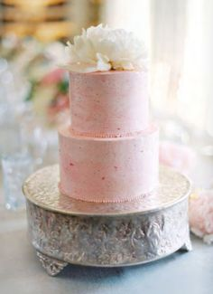 peach colored wedding cake