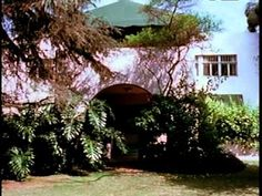 Dodge House 1916 (1965 film by Esther McCoy). Interesting film about architect Irving John Gill and his vision. Very relevant today.