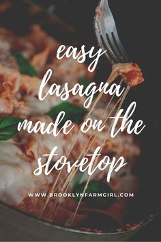 Easy to make stovetop lasagna recipe that's a family favorite! This weeknight skillet meal tastes like classic lasagna but only takes 35 to make from start to finish. Meaty Lasagna, Sausage Lasagna, Italian Sausage Pasta, Sweet Italian Sausage, Easy Pasta Recipes, Delicious Dinner Recipes, Skillet, Brooklyn, Vegetarian Recipes