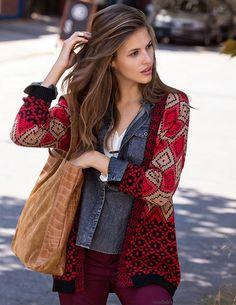 Moda 2017. Moda invierno 2017. Looks y moda urbana mujer y hombre. Marcas, diseñadores, ropa, calzado, accesorios en Buenos Aires, Argentina.