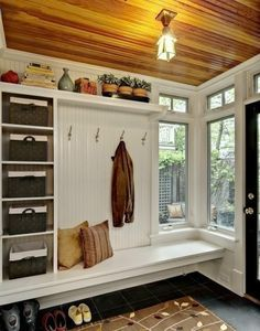 bench style for kitchen maybe (I could make that!) ;) - from Mudroom: Progress, Plans, and Paint - DIYdiva