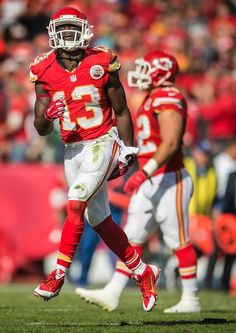 Kansas City Chiefs running back De'Anthony Thomas (13) celebrated after his 78-yard kickoff return in the second quarter against the New York Jets during NFL action on November 2, 2014 at Arrowhead Stadium in Kansas City, Mo. The Chiefs won 24-10.