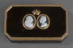 The Royal Collection: Snuff box Tortoiseshell, gold, Tassie paste