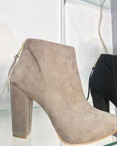 Reposting @lazapatillapresumida_shoetique: NUEVOS MODELOS La Zapatilla Presumida ✈️ envíos a toda la republica mexicana  #highells #tacones#shoes#calzado#calzadomexicano#tendence #moda #fashion #negro #zapatillas #lazapatillapresumida#shoeslovers #shoeporn #shoestagram#shoesoftheday #heels #heelsaddict #shoeslover #sandals#sandalias #heelspesta