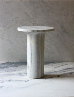 Marble tables by Indian Studio Raw Material in limited edition of 12 pieces Luxury interior design and Contemporary art furniture Art Furniture, Contemporary Furniture, Luxury Interior Design, Interior Decorating, Before After Furniture, Bedside Table Design, 24 September, White Side Tables, D 40