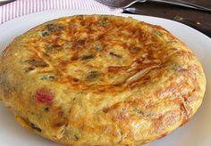Tortilla de patatas. Uno de mis platos preferidos, sencilla, humilde, pero riquìsima!!