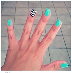 Generally, people thought nail art can be possible on long nails But actually, it's not so! Simple nail art designs for short nails are not only popular Nail Art Diy, Easy Nail Art, Diy Nails, Nail Nail, Shellac Nails, Nail Polishes, Remove Shellac, Jamberry Nails, Love Nails