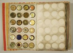 ¤ Buttons book. date : circa 1790 French.