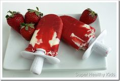 strawberries + greek yogurt = healthy delish popsicles