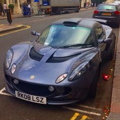 Lotus Elise #lotus #elise #car #lindon #supercar #gray #carspotter #nice #cool #dope #instacar #carinstagram #beautiful #beast #londoncars by a_world_of_supercars