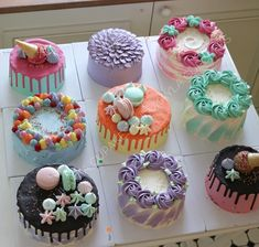 We will give you various cake design ideas for your reference Buttercream Cake Designs, Cupcake Cake Designs, Cupcake Cakes, Cupcake Shops, Rodjendanske Torte, Beautiful Birthday Cakes, Little Cakes, Cake Decorating Techniques, Drip Cakes