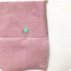 안쪽으로 꺾인 부분 오버록 하기 : 네이버 블로그 Continental Wallet, Belly Button Rings, Diy And Crafts, Coin Purse, Purses, Sewing, Jewelry, Jeans, Hacks