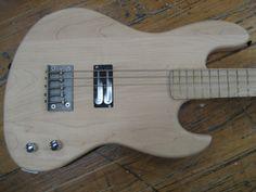 Holcomb Guitars: Brian Gibson (Lightning Bolt) Custom Bass
