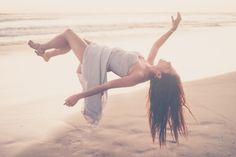 Levitation Photography: Exploring Magic and Portraiture + Free Class Link! Umbrella Photography, Levitation Photography, Dream Photography, Water Photography, Macro Photography, Creative Photography, Photography Poses, Abstract Photography, Spray Paint Canvas