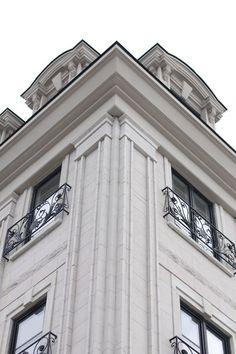 Ideas House Facade Design Classic Balconies For architecture Neoclassical Architecture, Classic Architecture, Facade Architecture, Classic House Exterior, Classic House Design, Facade Design, Exterior Design, Cornice Design, Classic Building