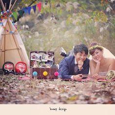 #大阪  キャンプ場は誰もいなくて  二人っきりだから  シート敷いて寝転んだりして  だーれもいないから寄り添って  ニコニコしちゃってるけど  後ろで、、 誰かが、、 羨ましそうに見てますよ!  黒目のない  白目のヤツらが、、 笑  #結婚写真 #花嫁 #プレ花嫁 #結婚 #結婚式 #結婚準備 #婚約 #カメラマン #プロポーズ #前撮り #ロケーション前撮り #写真家 #ブライダル #ウェディングドレス #ウェディングフォト #記念写真  #ウェディング #IGersJP  #weddingphoto #wedding #instagramjapan #weddingphotography #instawedding #bridal #ig_wedding #bride #bumpdesign #バンプデザイン