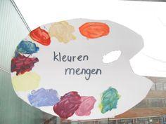 Kunst Start van het thema Groepskunstwerk maken. Thematafel maken met boeken over kunst en schilderijen. Kringactiviteiten Laten zien hoe je verf moet mengen. Rijmje oefenenHocus pocus met wat franje. Rood en geel, wordt oranje! Hocus pocus met een zoen.