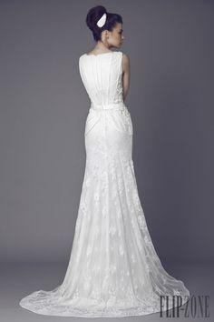 Tony Ward 2015 collection - Bridal - http://www.flip-zone.com/fashion/bridal/the-bride/tony-ward-4741