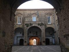 La corte del Palazzo Marchesale di Pomarico
