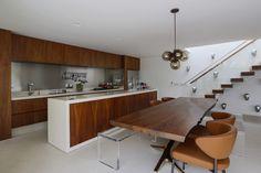 Decoração afinada. Veja: http://casadevalentina.com.br/projetos/detalhes/decoracao-afinada-685 #decor #decoracao #interior #design #casa #home #house #idea #ideia #detalhes #details #style #estilo #casadevalentina #kitchen #cozinha