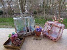"""Invernadero miniatura modelo """"Chantilly""""  estilo vintage chic- escala 1:12- Casas de muñecas de Graziemini en Etsy https://www.etsy.com/mx/listing/228930969/invernadero-miniatura-modelo-chantilly"""