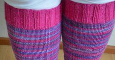 Nyt se ihme tapahtui...  Nimittäin neuloin suhteettoman kivuttomasti,  polvisukat nallesta.  Värinä pinkki ja violettisävyinen taika.     ... Leg Warmers, Socks, Legs, Accessories, Fashion, Leg Warmers Outfit, Moda, Fashion Styles, Sock