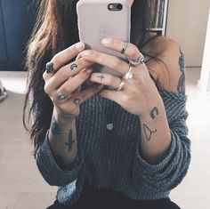 small cute tattoos for hand