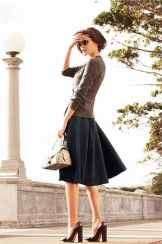 Easy black and brown. Cute outfit to go shopping or something.