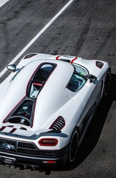 Doesn't matter what angle a photo of an Agera is taken from. They all are perfection.
