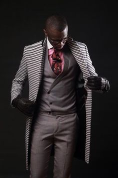 This Bold Color Button Down Goes From Suit to Jeans, Men's fashion pink button down with white contrast collar, gray suit, black and white plaid white coat Estilo Fashion, Funky Fashion, Mens Fashion, Gentleman Mode, Gentleman Style, Sharp Dressed Man, Well Dressed Men, Mens Attire, Mens Suits