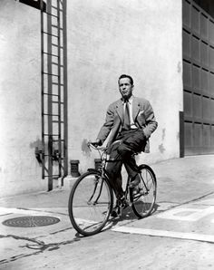 fabforgottennobility:  Bogart, 1942