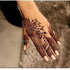 Pretty Henna Designs, Modern Henna Designs, Latest Henna Designs, Finger Henna Designs, Arabic Henna Designs, Mehndi Designs Book, Mehndi Design Pictures, Mehndi Designs For Fingers, Beautiful Mehndi Design