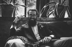 bohemien-sposo-gipsy-hipster-pipa-occhiali-margherita-calati-fotografa