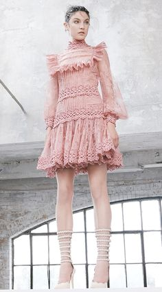 Zimmermann moda para mujer, si te gustan los volantes y bordados…