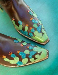 286edfd54fa7 Cactus toes Custom Cowboy Boots