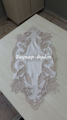White Embroidery, Hand Embroidery Patterns, Organza, Point Lace, Cutwork, Sewing Hacks, Macrame, Quilts, Stitch