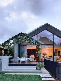 Architecture Design, Australian Architecture, India Architecture, Modern Architecture House, Café Design, Modern Cottage, Facade House, House Facades, Modern House Design