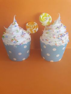 Cupcake in cemento decorato con il silicone