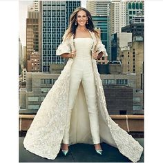 "Sarah Jessica Parker – ""Allow me to reintroduce myself"" holy moly striking! Sarah Jessica Parker – ""Allow me to reintroduce myself"" holy moly striking! Sarah Jessica Parker, Wedding Robe, Wedding Gowns, Fall Wedding, Dream Wedding, Wedding Jumpsuit, Dress Plus Size, Looks Style, Evening Gowns"