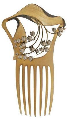 Lalique wood comb