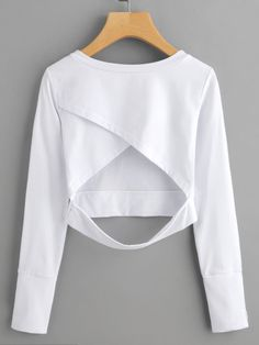 Shop Wrap Open Back Crop Sweatshirt online. SheIn offers Wrap Open Back Crop Sweatshirt & more to fit your fashionable needs. Teen Fashion Outfits, Trendy Outfits, Girl Outfits, Mode Grunge, Jugend Mode Outfits, Cute Crop Tops, Teenager Outfits, Daily Fashion, Yoga Fashion