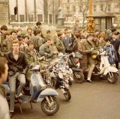 Saturday's Kids Piaggio Vespa, Lambretta Scooter, Mod Scooter, Scooter Girl, Proto Punk, Urban Tribes, Skinhead Fashion, Youth Subcultures, Mod Girl