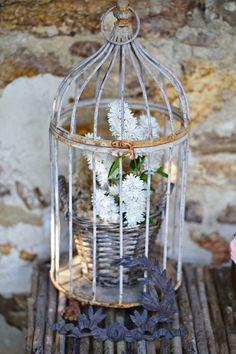 jaula de rosas decorativa para tu hogar o evento. Black Bedroom Furniture Sets. Home Design Ideas