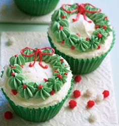 When it comes to Christmas party, we can't think of Christmas desserts, including cupcakes, cheesecakes and cookies. These delicious treats is a star of your… Holiday Cupcakes, Holiday Desserts, Holiday Baking, Holiday Treats, Holiday Recipes, Christmas Cupcakes Decoration, Christmas Deserts, Christmas Party Food, Xmas Food
