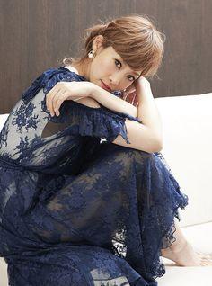 """元宝塚トップスター、龍 真咲さんの""""今""""をお届けする連載。インタビューの後編は、8月23日に発売されるCDについて。そして歌うことについて。 vol.1 やってきましたニューヨーク!~ vol.2 ニューヨークEnjoy中~ vo... Kimono Top, Tulle, Lifestyle, People, Beauty, Women, Fashion, Moda, Women's"""