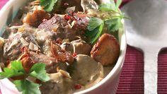 Lammesauté med kantareller Potato Salad, Potatoes, Beef, Ethnic Recipes, Food, Meal, Potato, Essen, Hoods