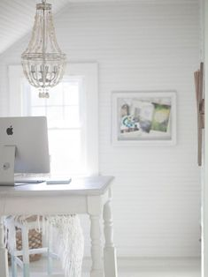 An all-white space allows light to bounce and reflect around the room, Small Space Living, Living Spaces, Work Spaces, Cottage Style Bedrooms, Minimal Decor, Love Your Home, Decorating Small Spaces, Diy Decorating, Small Apartments